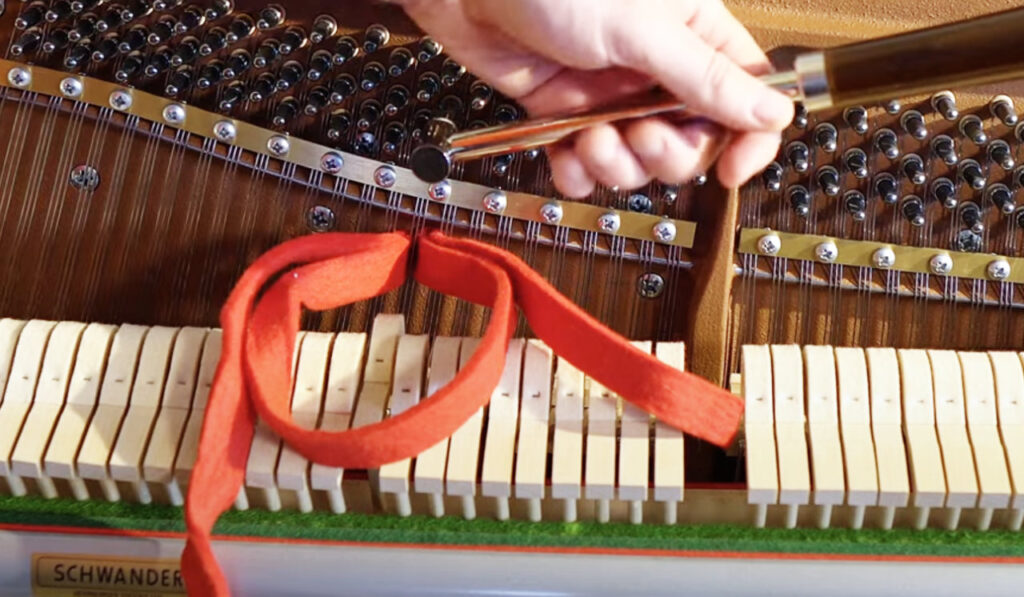 how-to-mute-piano-strings-when-tuning